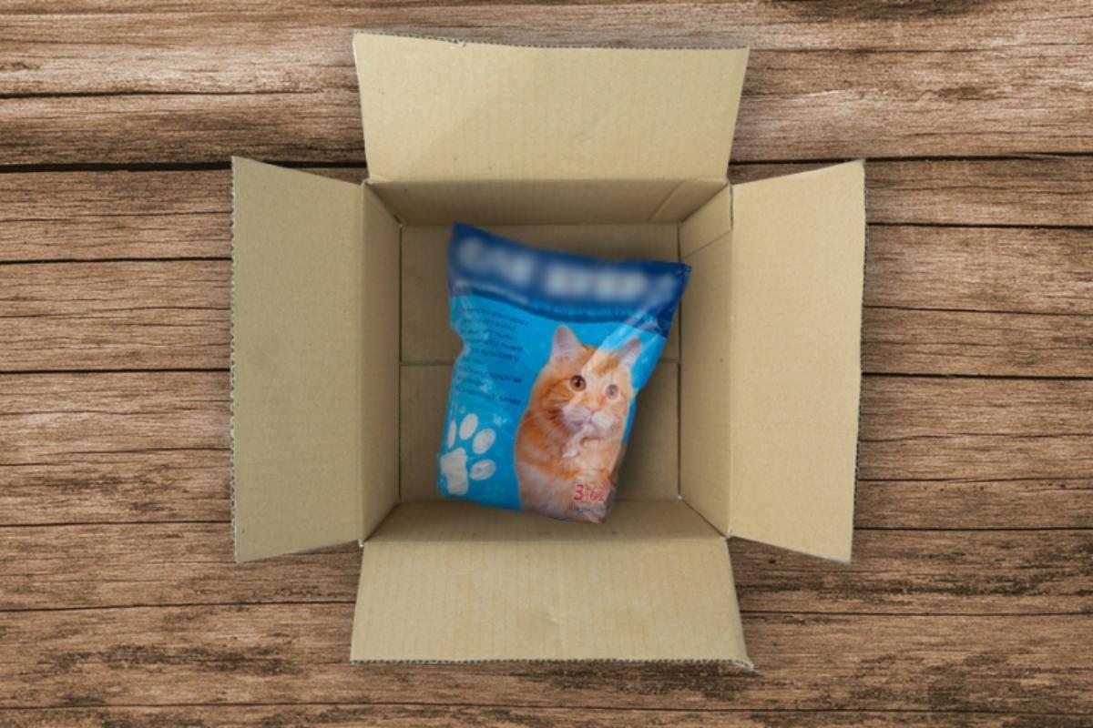 Вместо бинокля – кошачий туалет