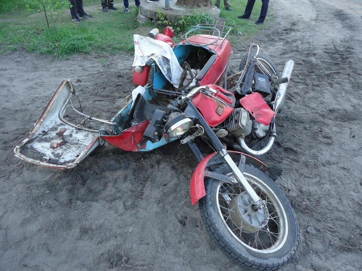 В Котласском районе произошло столкновение мотоцикла с КАМАЗом