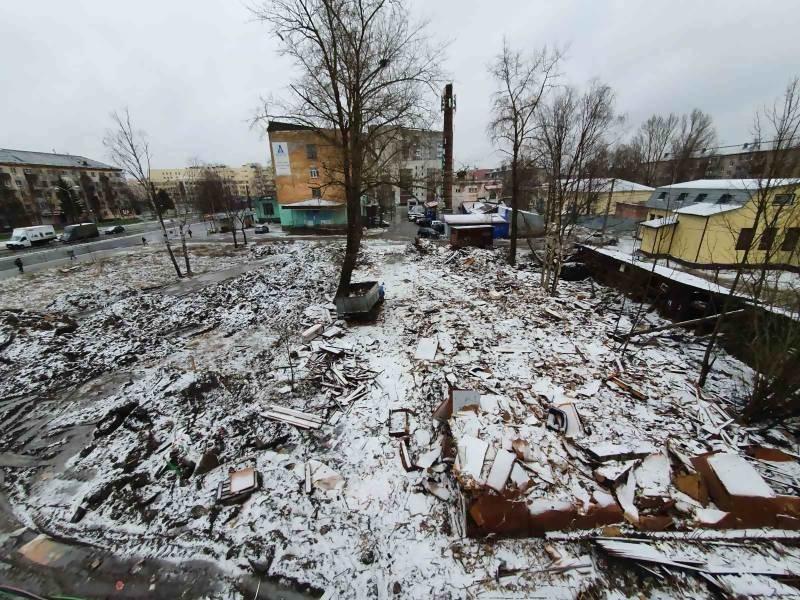 В Архангельске снесли ещё один ветхий дом