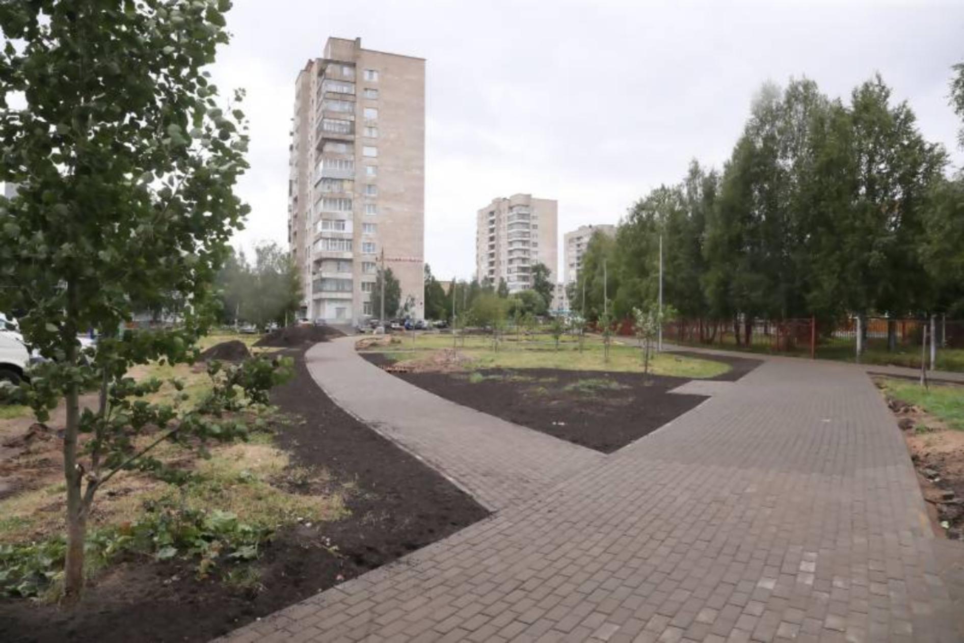 В Архангельске благоустраивают «Аллею славы»