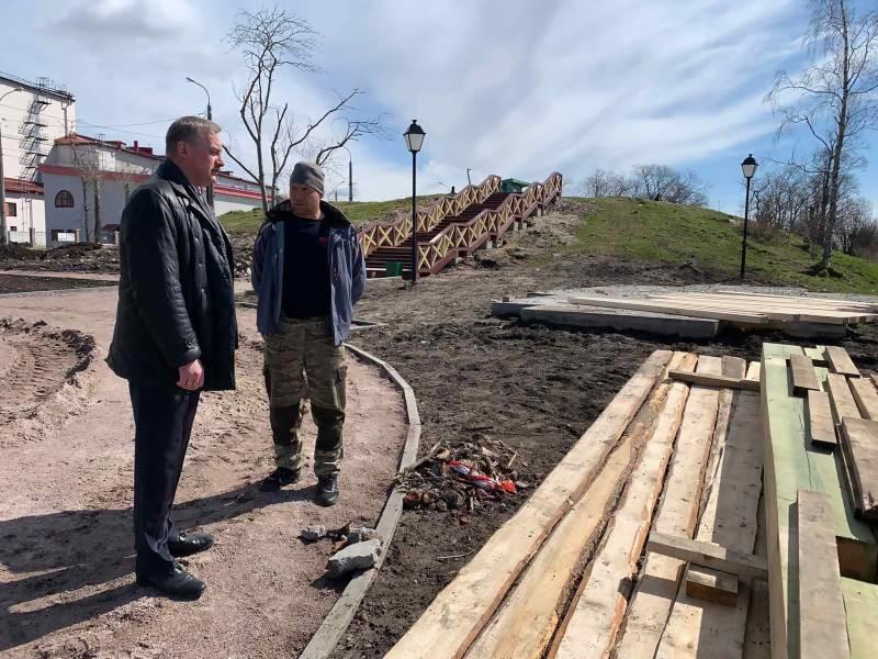 В Архангельске начали устанавливать беседку Грина