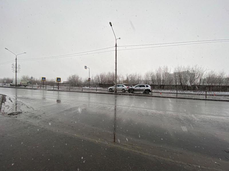 В Северодвинске пьяный водитель на «Рено» протаранил две машины