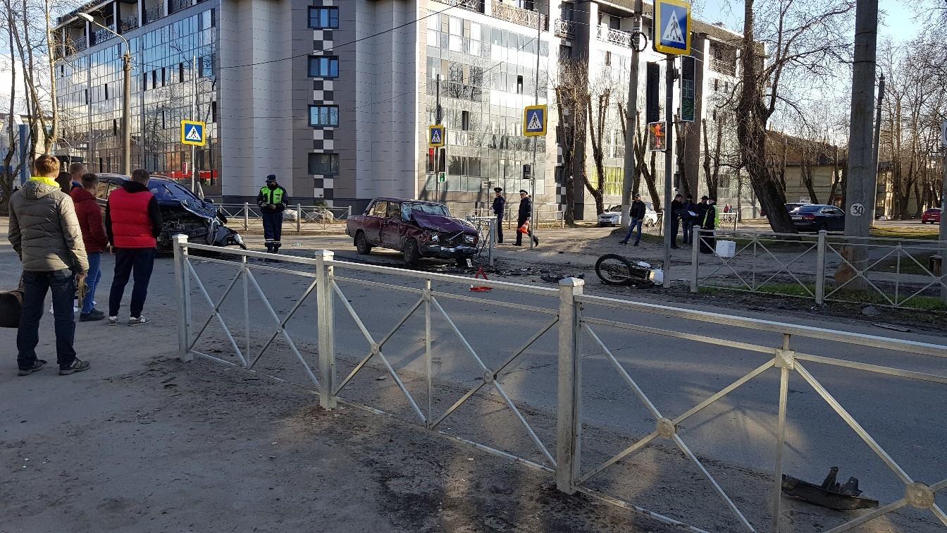 В Северодвинске произошло ДТП с мотоциклистом