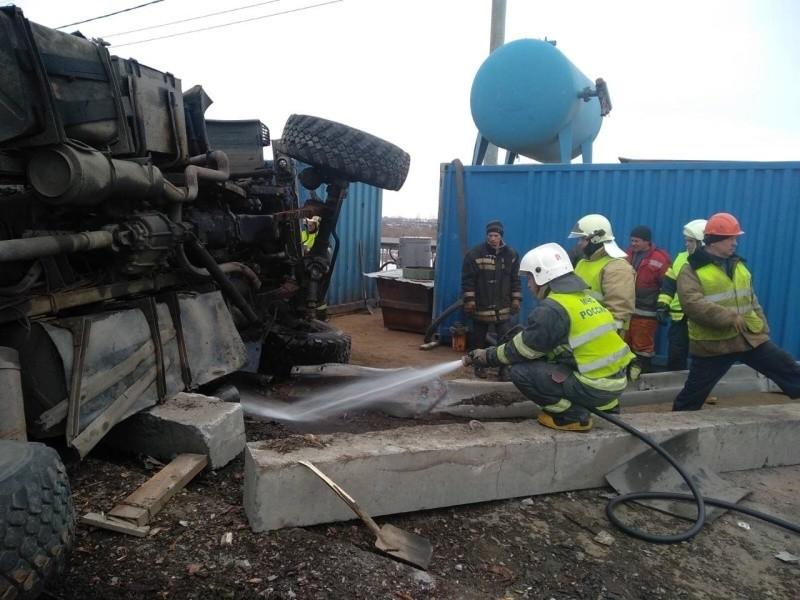 В Архангельске из-за аварии с лесовозом до 19 часов перекрыт Краснофлотский мост