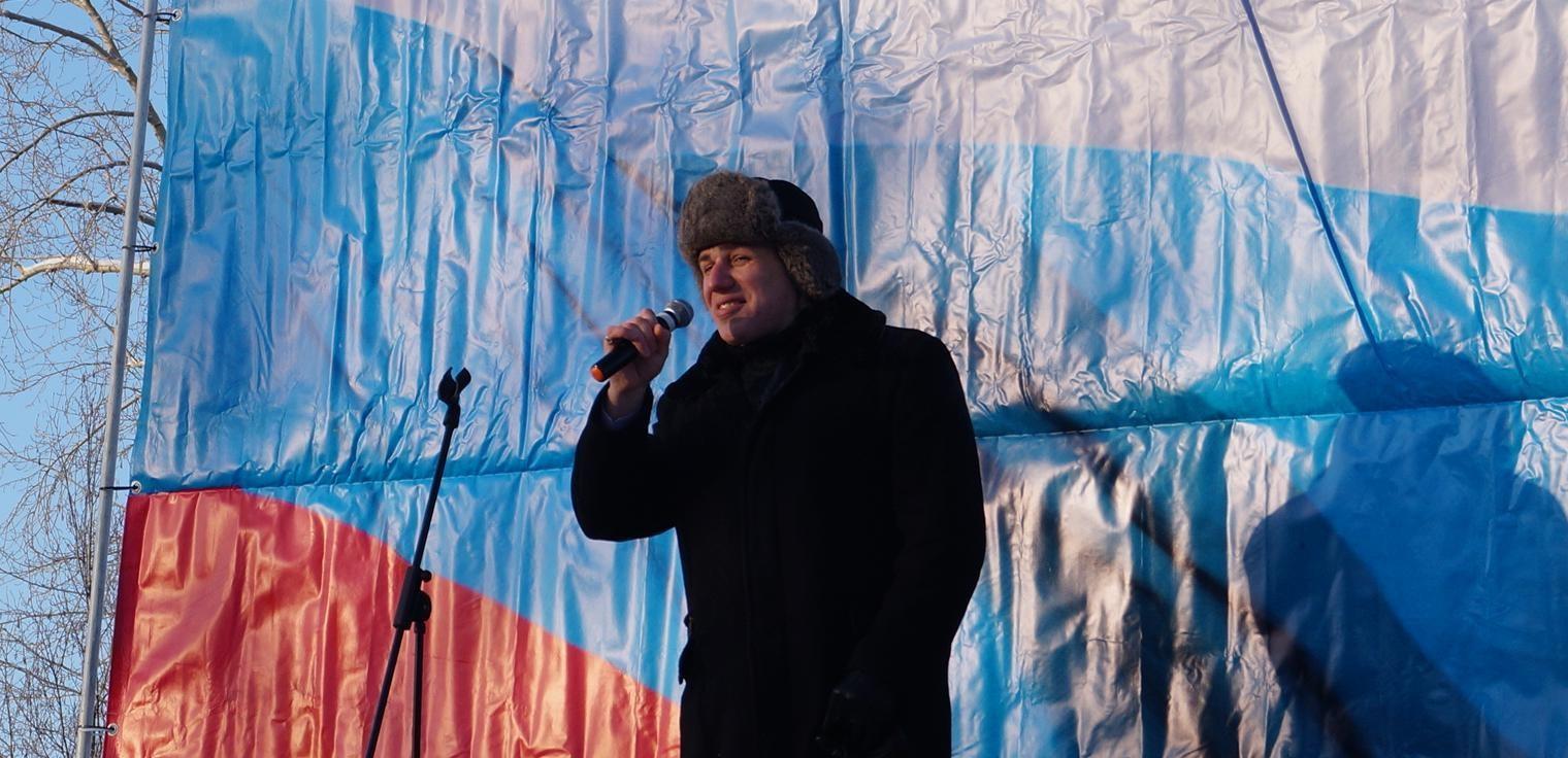 Активист Андрей Боровиков получил 2,5 года колонии за распространение клипа